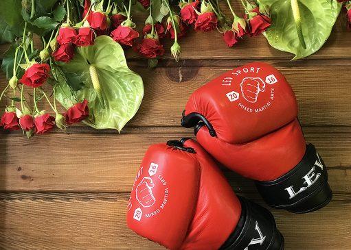 Боксерские перчатки в подарок фото