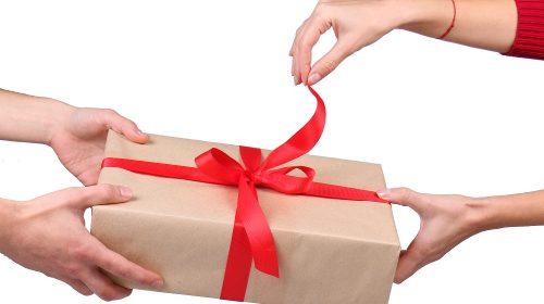 Что подарить на день рождения: топ 15 идей